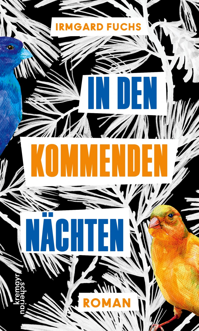 Ein blauer und ein oranger Vogel vor schwarz weißen Hintergrund mit Palmblattmuster.
